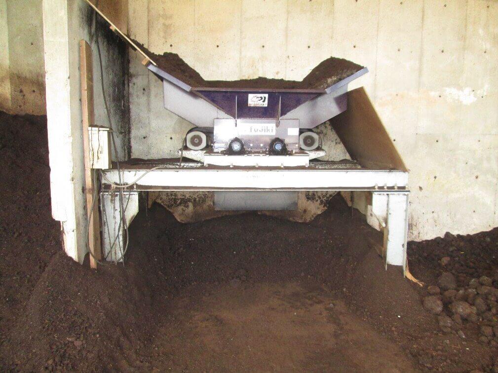 ダブルローター型堆肥粉砕機