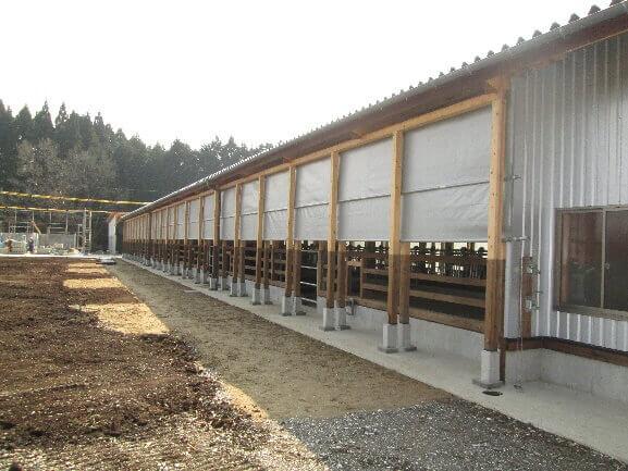 スタンチョン・柵・カーテンの設置の設置工事をしました。